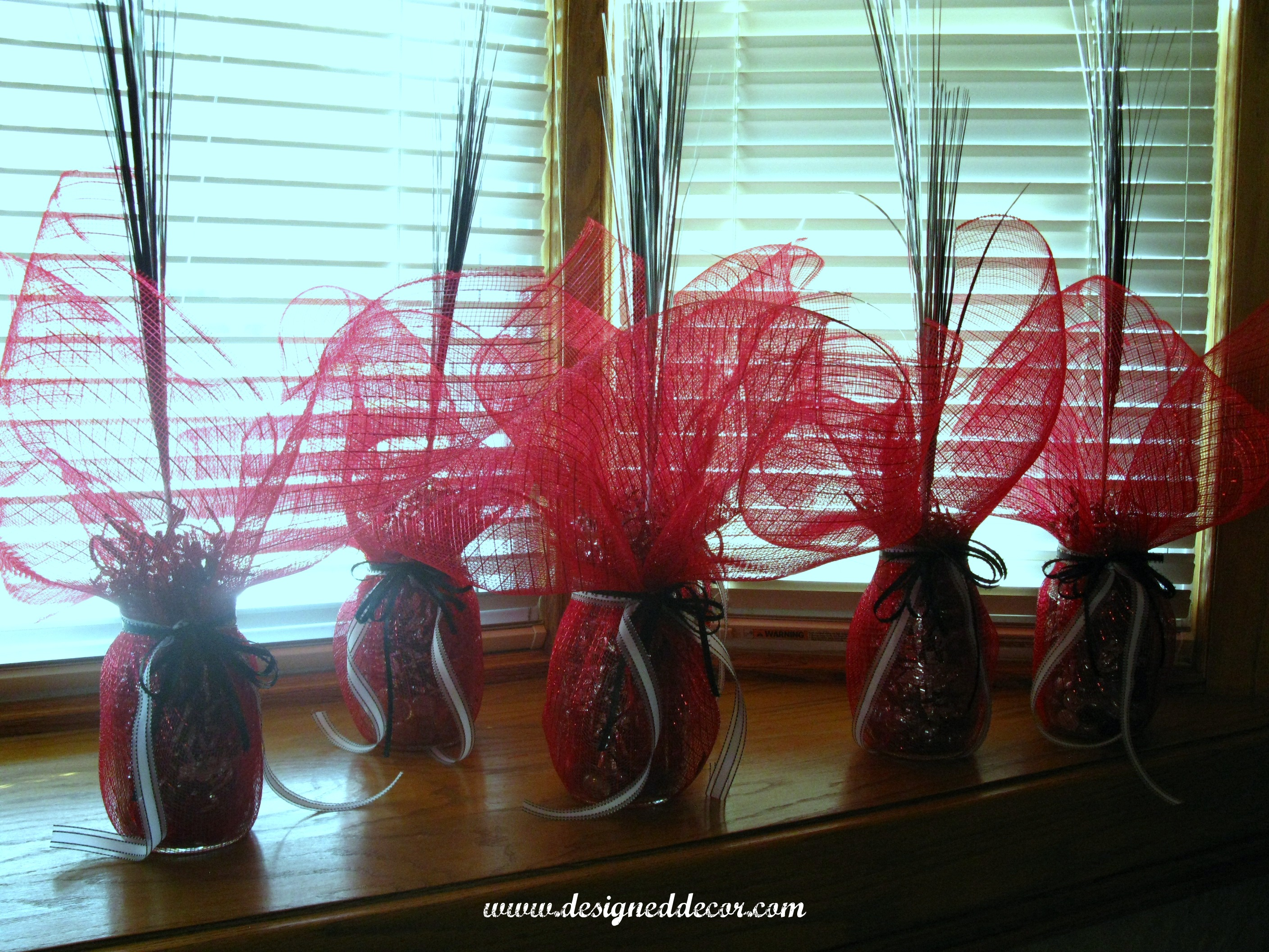 Graduation Party Table Decorations. - Designed Decor